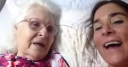 87歲老人失智的母親忽然認得她女兒後的對話,感動到810萬人瘋傳。