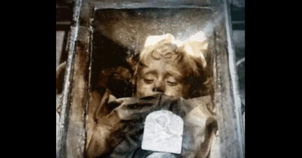 這個死於肺炎的2歲小女孩的木乃伊...居然會眨眼?!