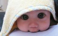 手腳冰冷不是真的冷!7大爸媽必知的「寶寶安全保暖原則」,穿太多衣服會害了他!