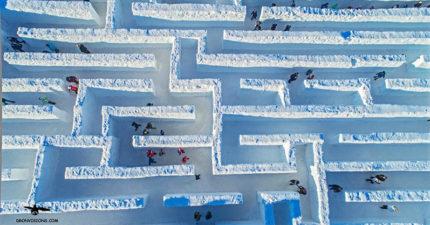 波蘭打造「世界最大冰雪迷宮」!享受迷失在「純白世界」永遠找不到出口的樂趣,拉遠看幽閉恐懼症患者要小心