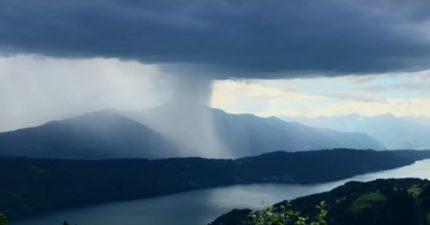 影/比尼加拉瓜瀑布還猛 「雨瀑布」掃過壯麗山脈...氣象專家嘆:真的值得看
