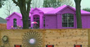 男子打造「夢幻芭比粉」獨棟大房 鄰居「不買單」狂嫌:超困擾