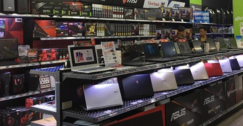 高雄電腦商場「展示機都超燙」?店員硬拗穩定測試...仔細看「都在挖礦」